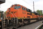 BNSF 9339 on K143